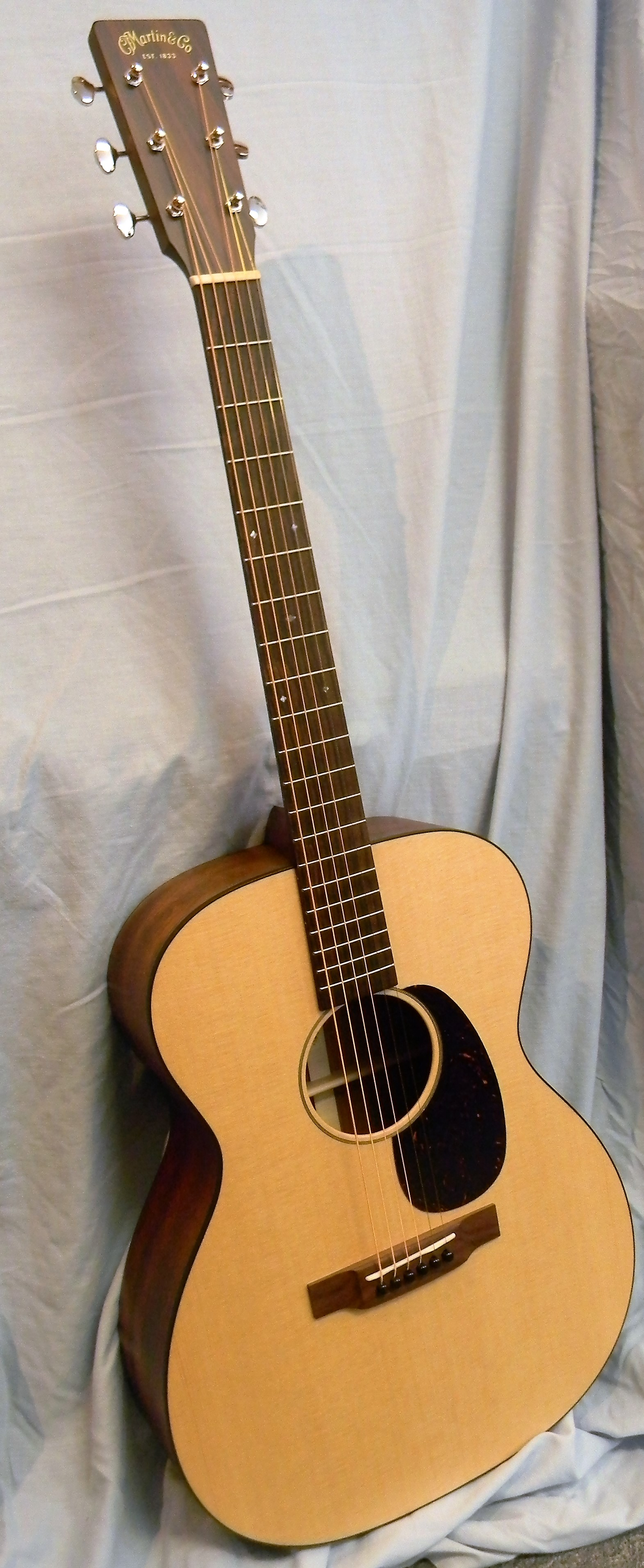 000-15 Special solid spruce and mahogany with rosewood bridge and fingerboard. $1,499.00