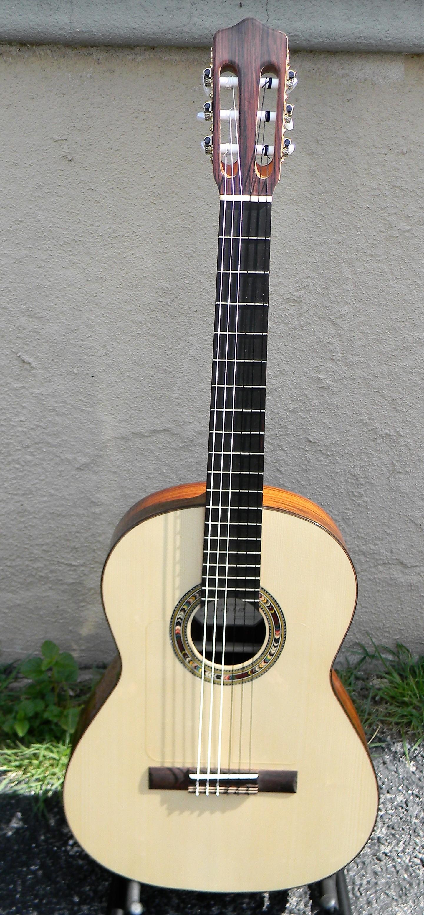 classical guitars san antonio guitar store guitar tex. Black Bedroom Furniture Sets. Home Design Ideas