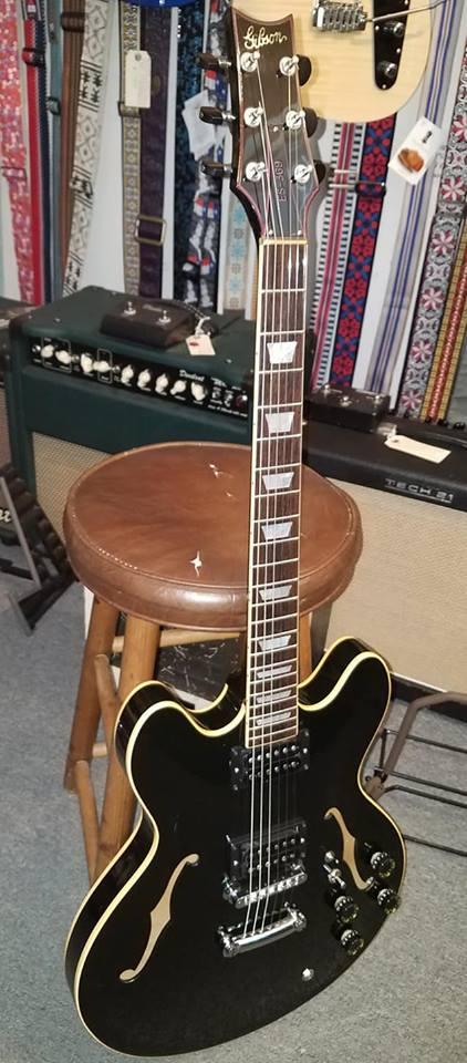 used instruments san antonio guitar store guitar tex. Black Bedroom Furniture Sets. Home Design Ideas